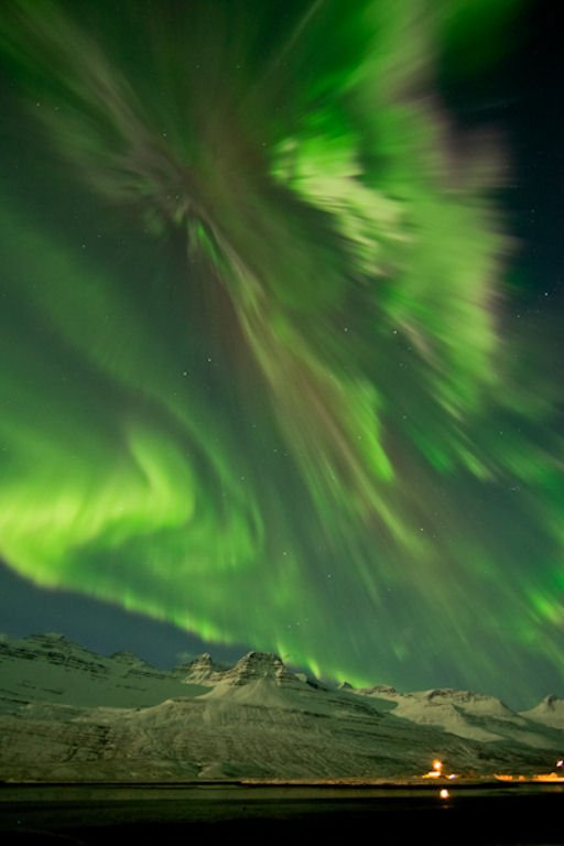 Courtesy of Spaceweather.com: Photographer: Jónína Óskarsdóttir, Iceland