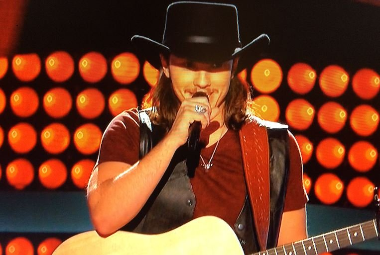 Beckley's own Cody Wickline turns four chairs on The Voice premiere