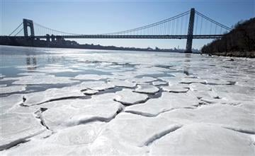 (Jim Anness/The Record of Bergen County via AP). Ice begins to form on the banks of the Hudson River in Englewood Cliffs, N.J., Sunday, Feb. 14, 2016, as temperatures dove to the single digits this weekend. MANDATORY CREDIT